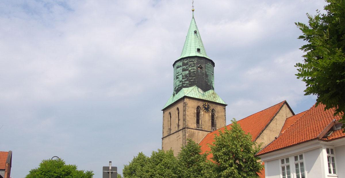 Das Herz von gronau: St. Matthäi mit dem grünen kirchturm