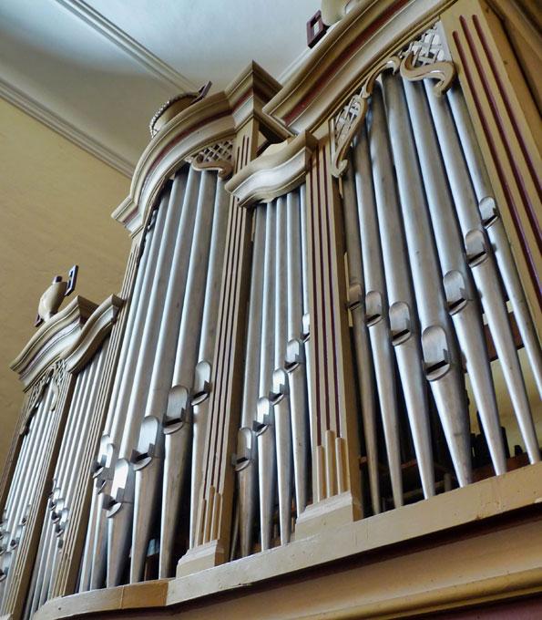 Schröther-Orgel von 1828 in der Dorfkirche Papitz