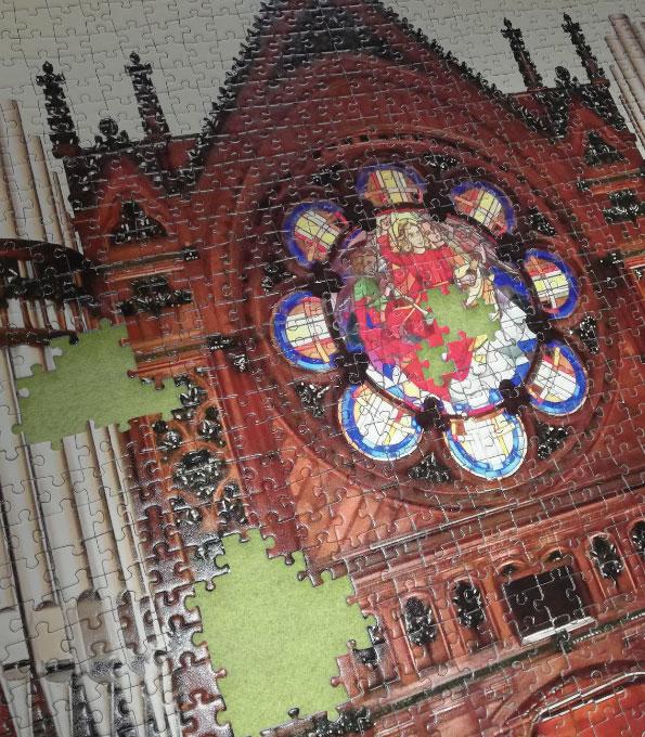 Die Sauer-Orgel in der Stadtkirche Gronau als Puzzle