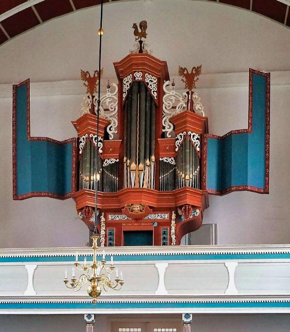 Orgel in der Reformierten Kirche Uttum (Kreis Aurich)