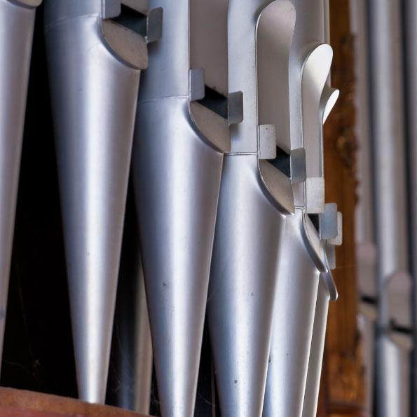 Pfeifen der Jehmlich-Orgel von 1903 in der Peter-Pauls-Kirche Coswig (Sachsen)