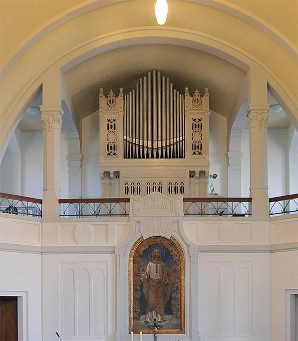 Dinse-Orgel (1909) im Kirchsaal Berlin-Nordend, 2013 von der Stiftung Orgelklang gefördert