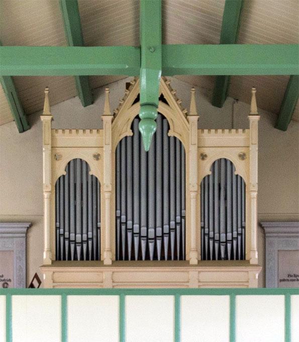 Dinse-Orgel (1900) in der Dorfkirche Bentwisch