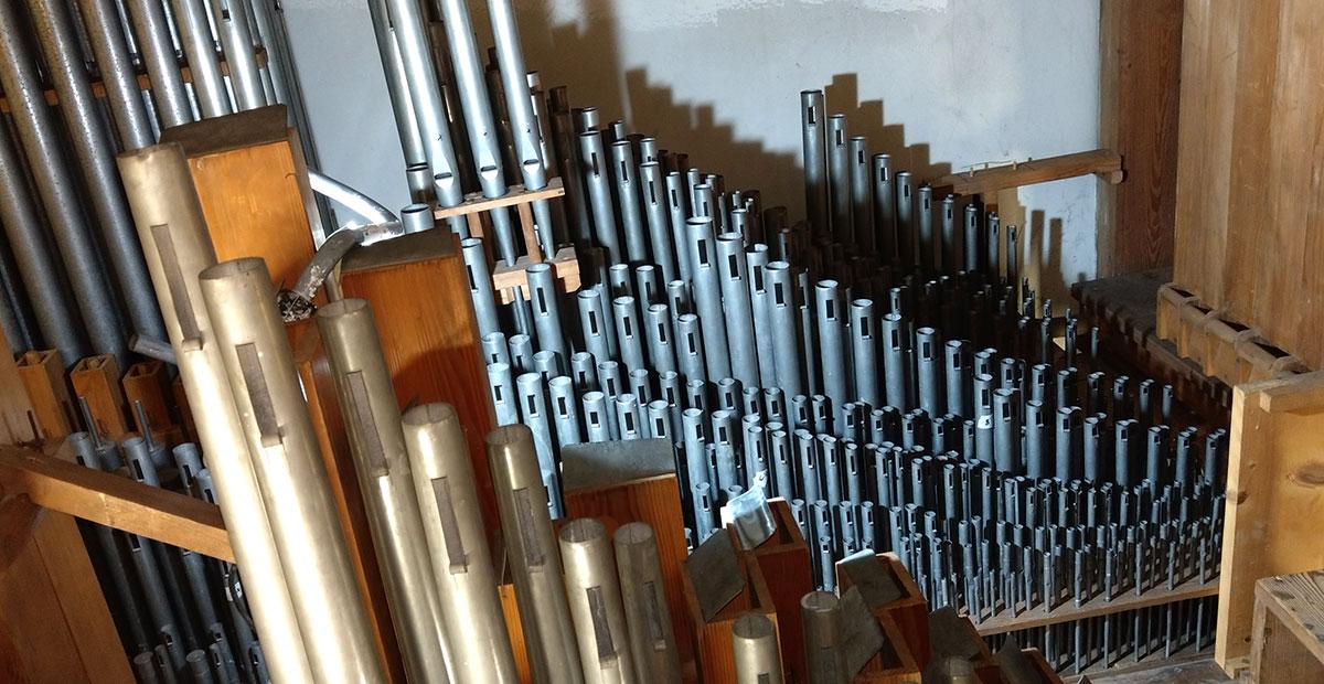 Innenleben der Walcker-Orgel von 1900 in der Stadtkirche Eisenberg (Rheinland-Pfalz). 2019 von der Stiftung gefördert