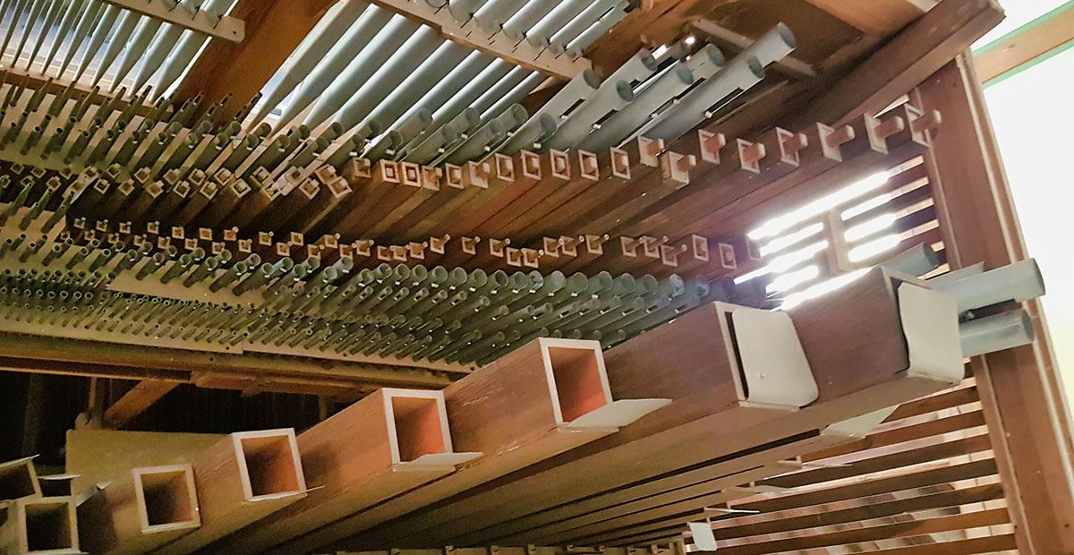 Blick in die Gast-Orgel von 1861 in der Dorfkirche Grano (Brandenburg). 2019 von der Stiftung gefördert